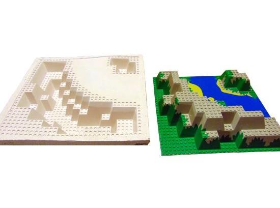 Silikonová forma pro výrobu herního prvku.